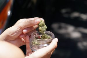 Picture of marijuana: do you know what the healthiest way to smoke weed is?
